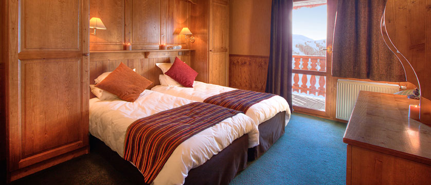 France_La-Plagne_Hotel-Des-Balcons-Belle-Plagne_Twin-bedroom.jpg